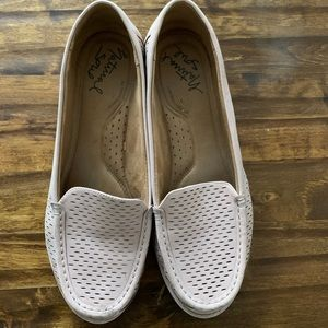 Women's size 9M loafers